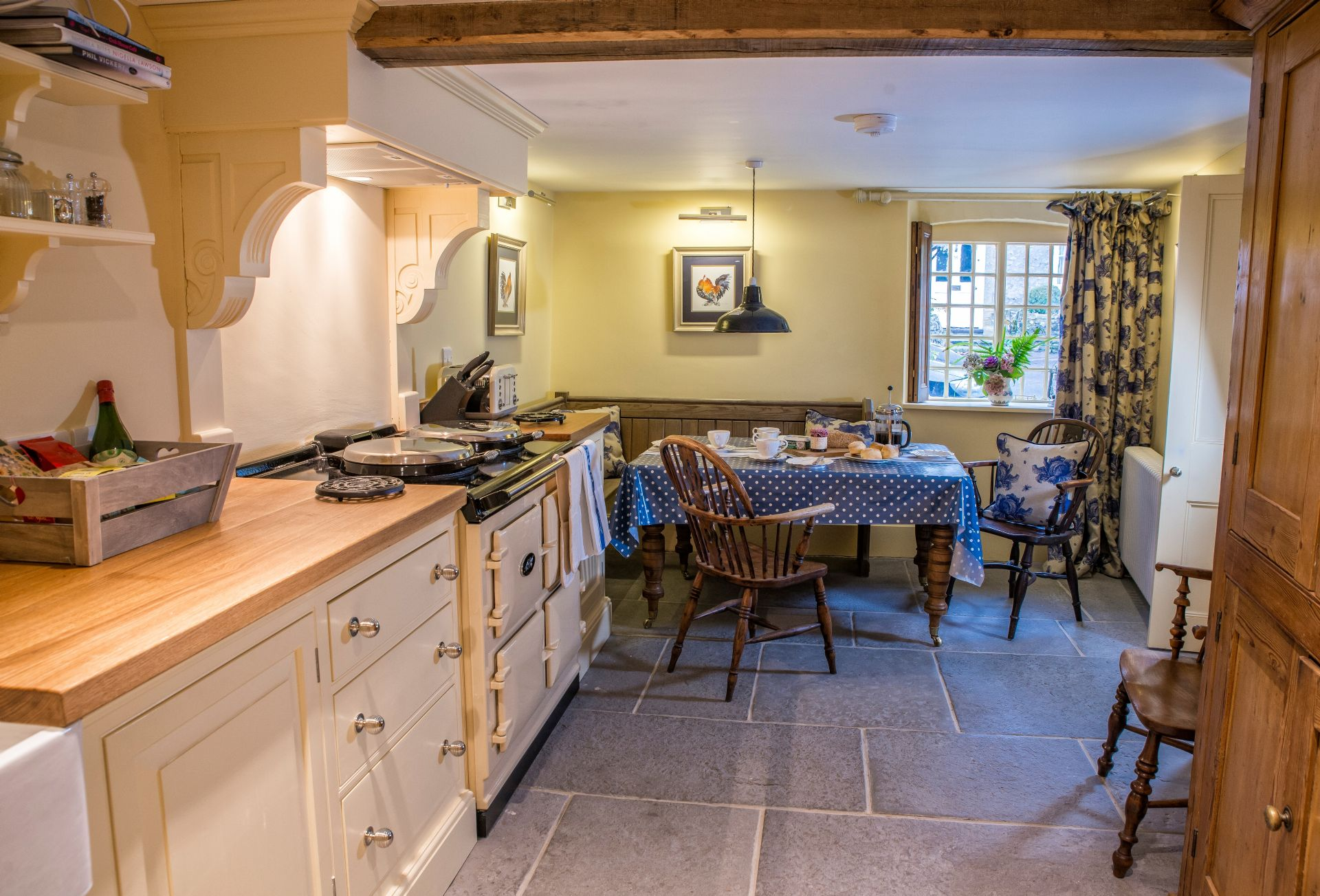 Laundry Cottage is located in Evershot and surrounding villages