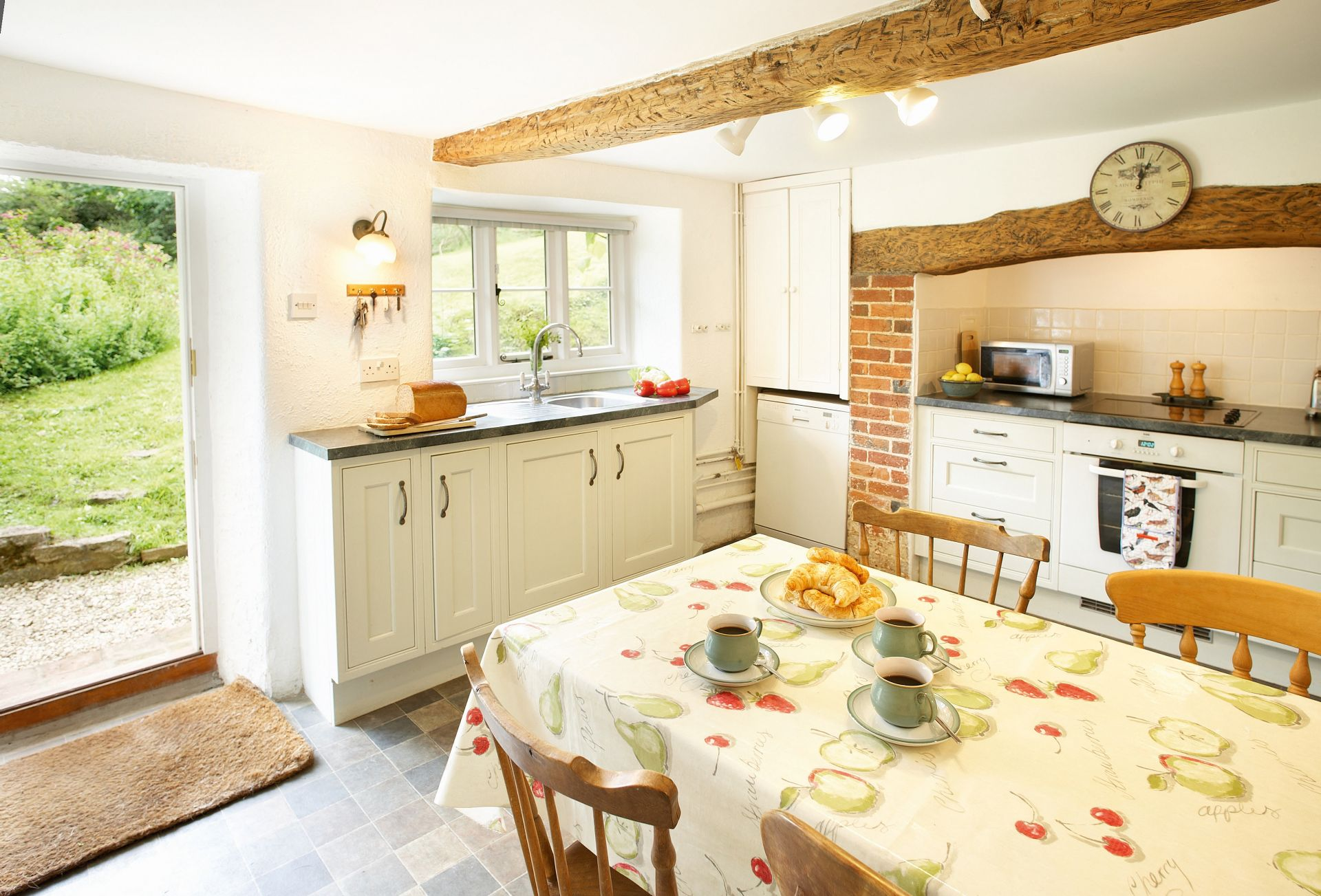 Magna Cottage is located in Shaftesbury and surrounding villages