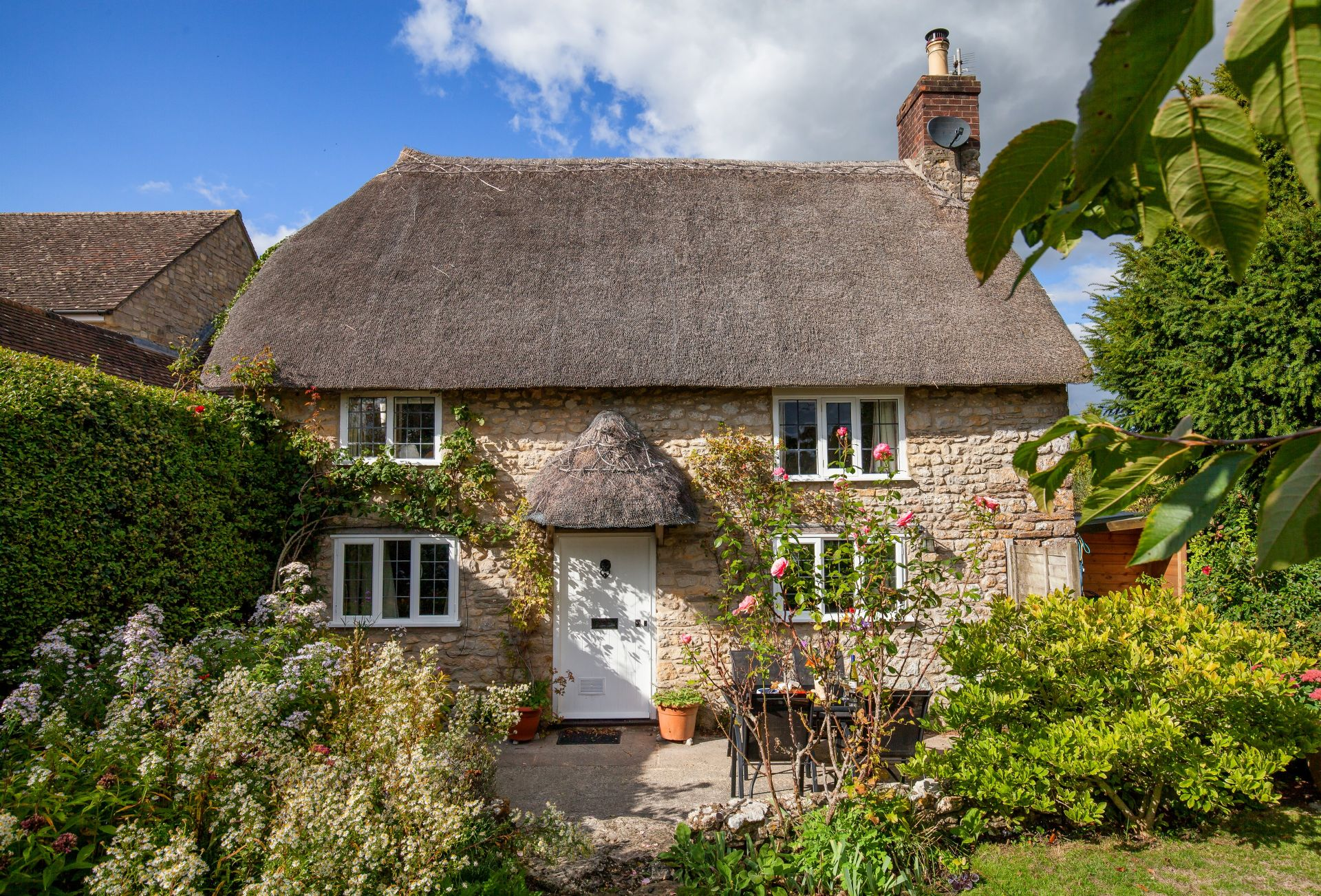 Click here for more about Snowdrop Cottage