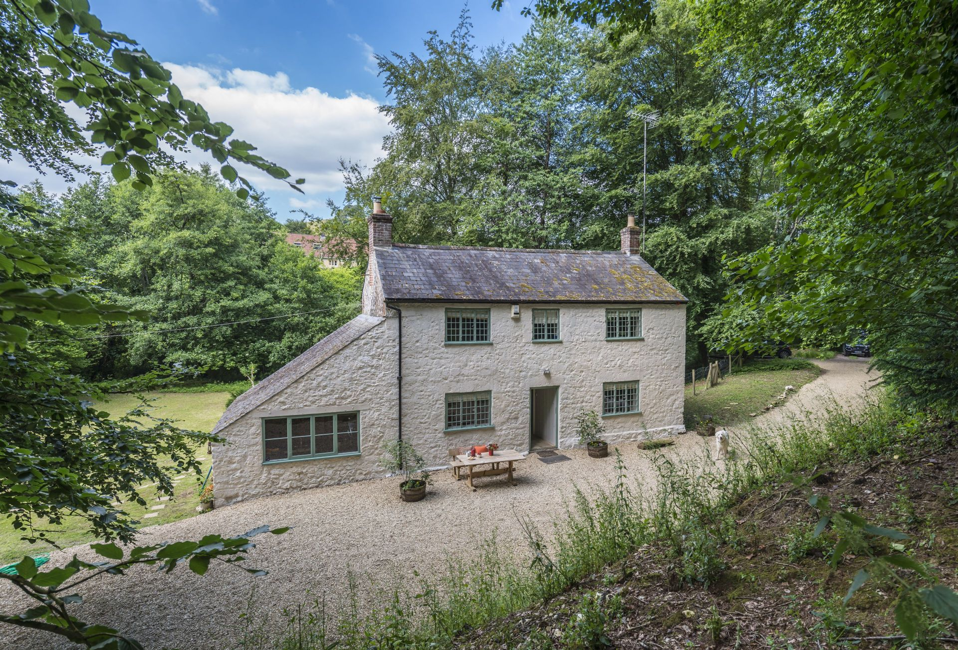 Click here for more about Horsehill Cottage