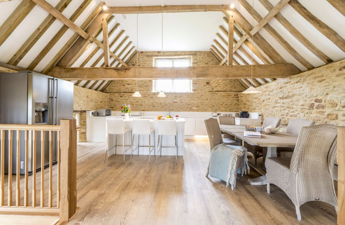 Merry Hill Barn is located in Portesham