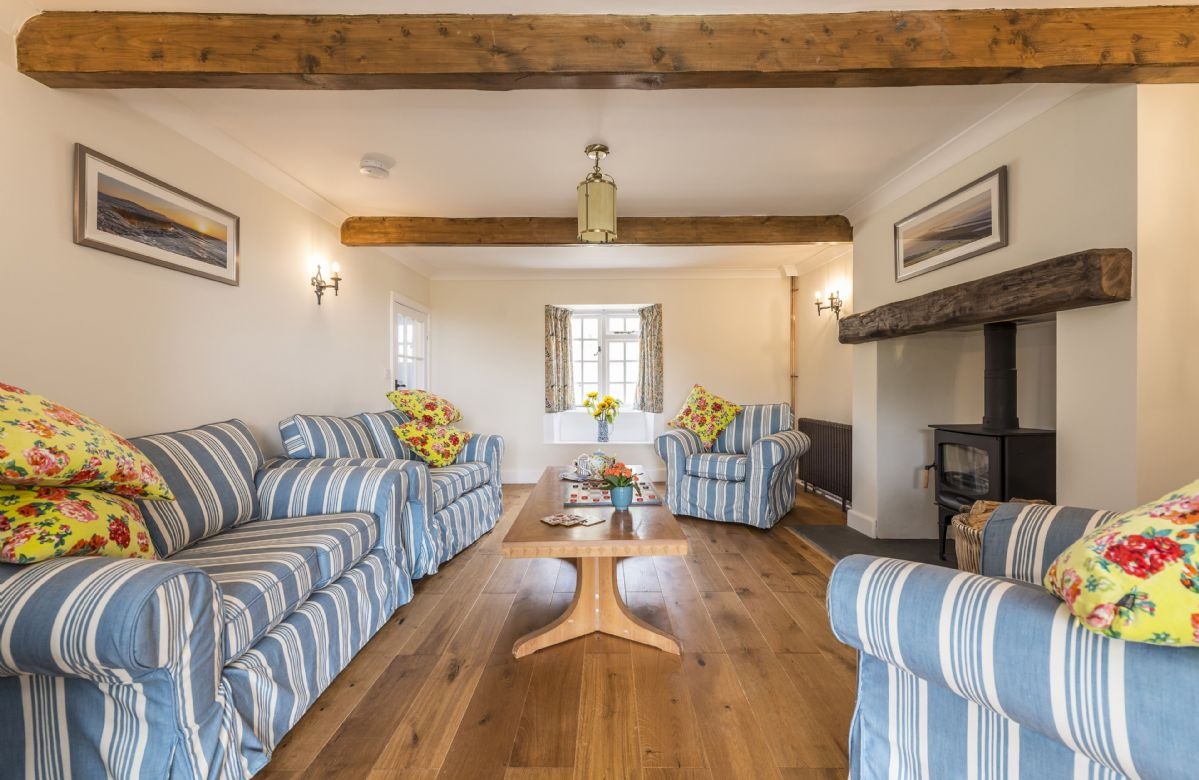 Frog by the Sea Cottage sleeps 6