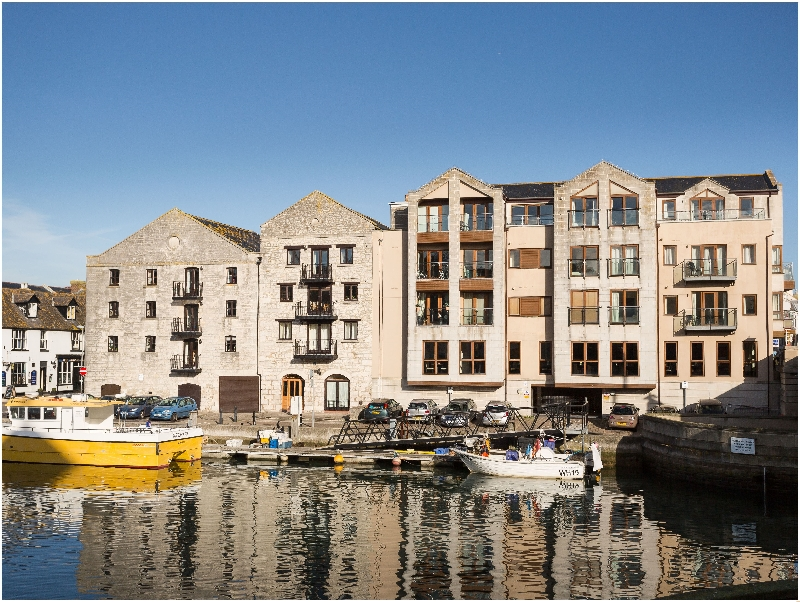 Click here for more about Harbourside Penthouse